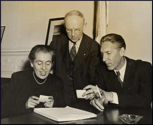 Noel Field (R), his wife Herta (L) and Charles Joy of the Unitarian Service Committee.