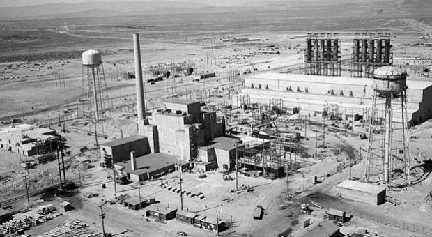 Aerial view of Hanford B-Reactor site, June 1944, part of the Manhattan Project.