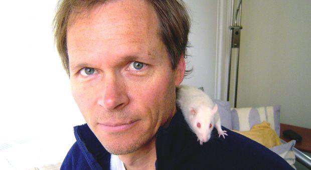 Author Jonathan Balcombe