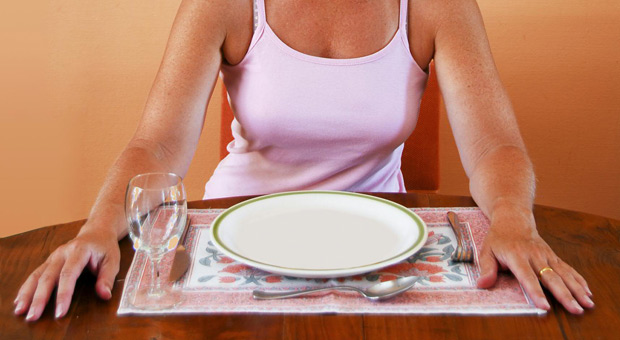 Dr. Michael Mosley, a British physician who developed the two-day-a-week fasting plan, says it not only spurs weight loss, but it can reduce the risk of disease. Diane and her guest discuss the benefits of fasting.